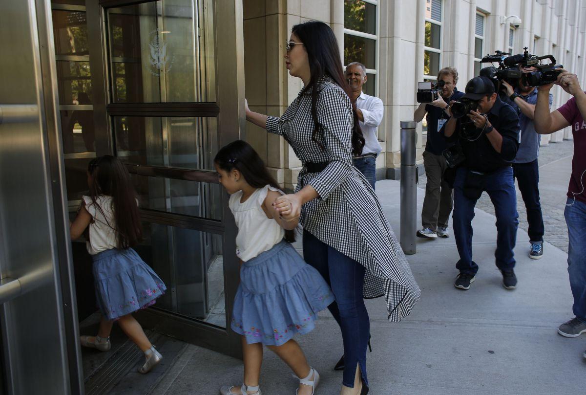 Hijas del Chapo Guzmán lo visitan por primera vez en prisión de máxima seguridad