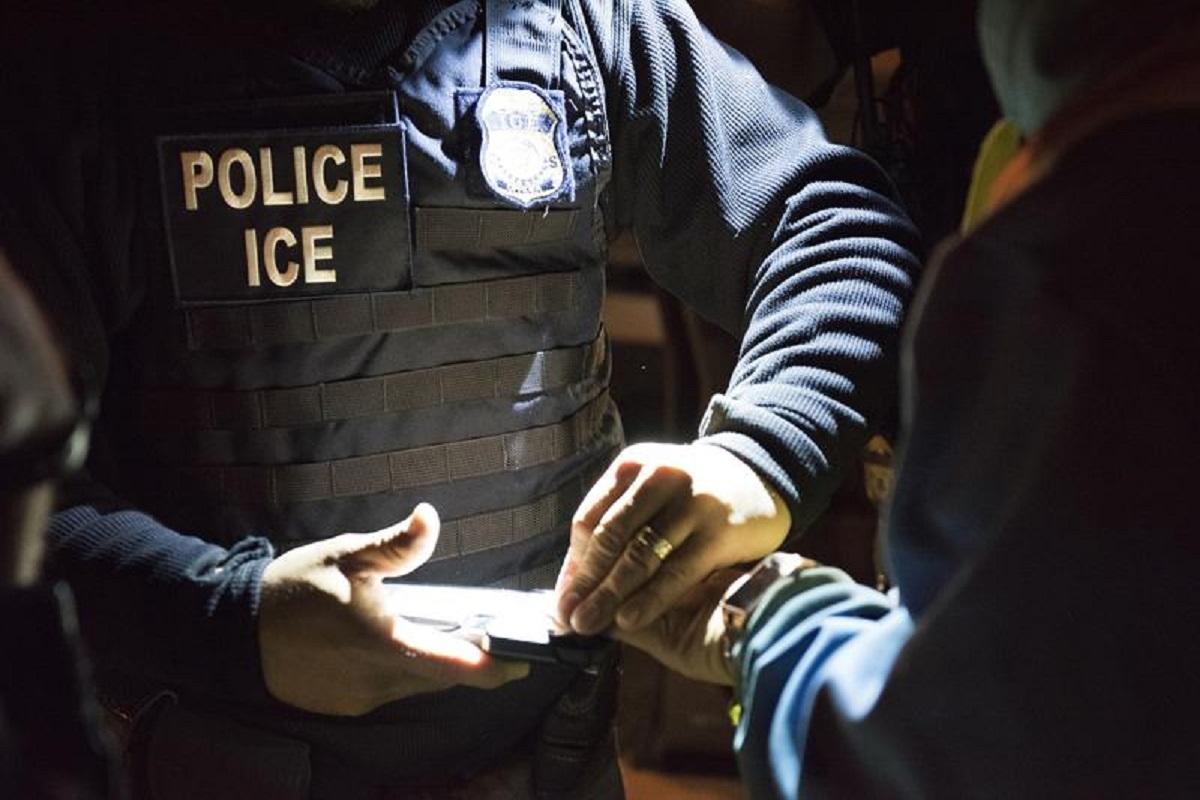 ICE busca concretar deportaciones de indocumentados.