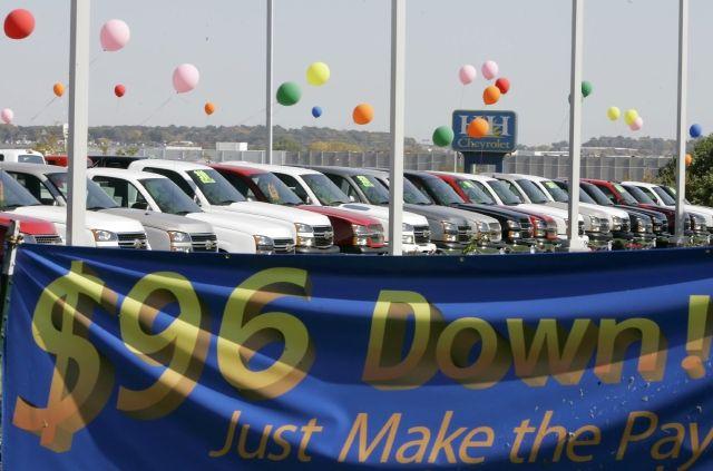 Cuáles son los trucos que usan los concesionarios a fin de año para que compres sus autos
