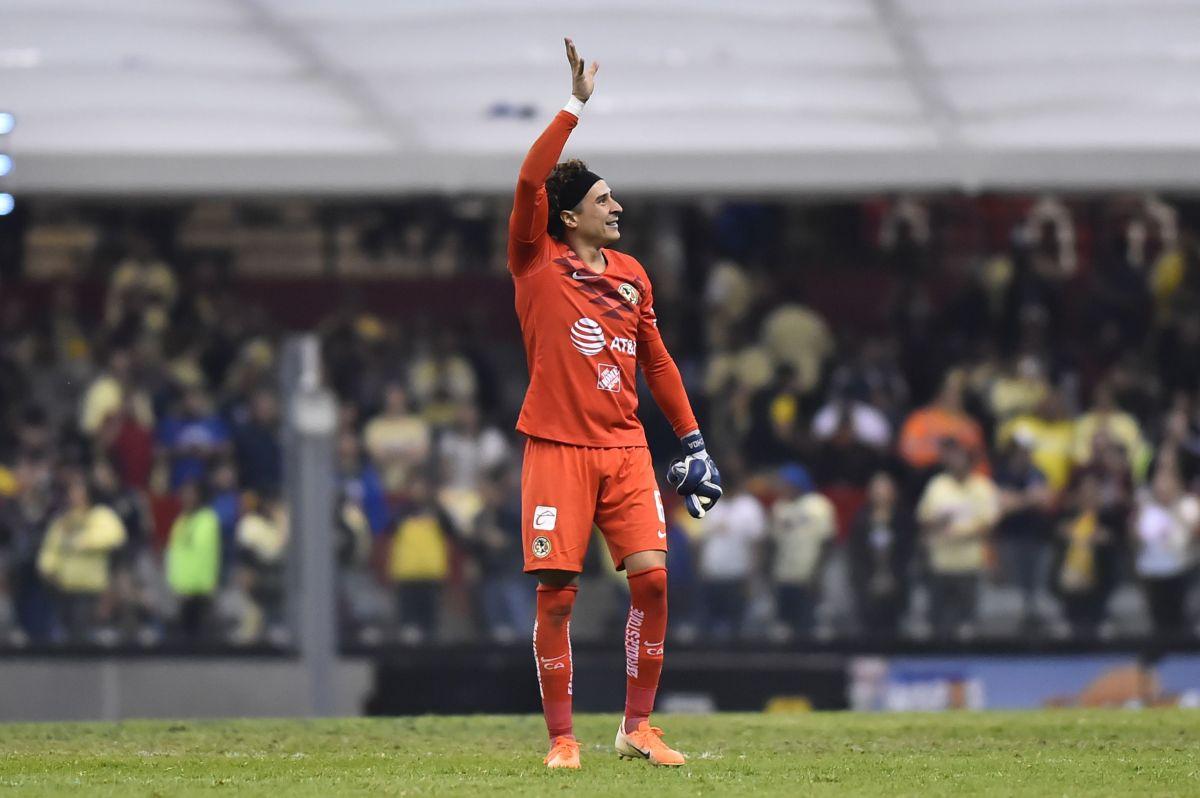 Guillermo Ochoa busca levantar un nuevo título con el América.