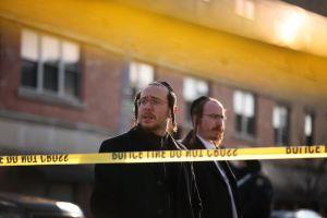 Bill de Blasio truena por multitud en funeral de rabino judío, pero alcalde de NYC sale mal parado