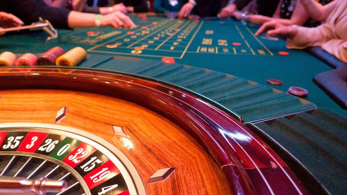 Jugador compulsivo de Canadá demanda a casino por 'dejarlo' perder $260,000