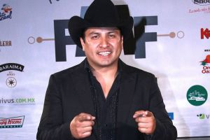 Julión Álvarez fue relacionado con un líder de narcotráfico y hoy habla para limpiar su imagen