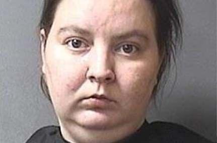 Arrestan a mujer tras encontrar a su hijo de cinco años atrapado en una lavadora en funcionamiento