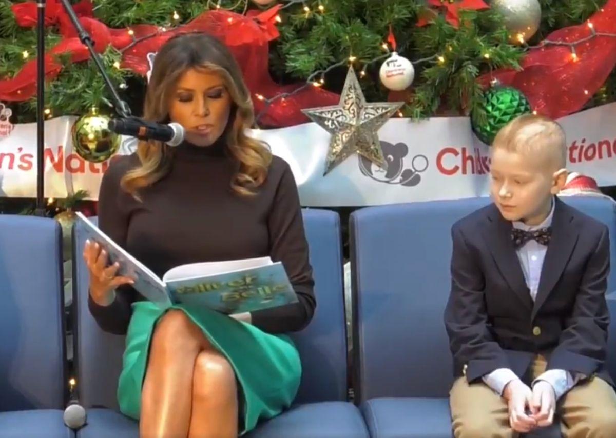 Las carísimas zapatillas de Melania Trump que calzó para visitar hospital infantil