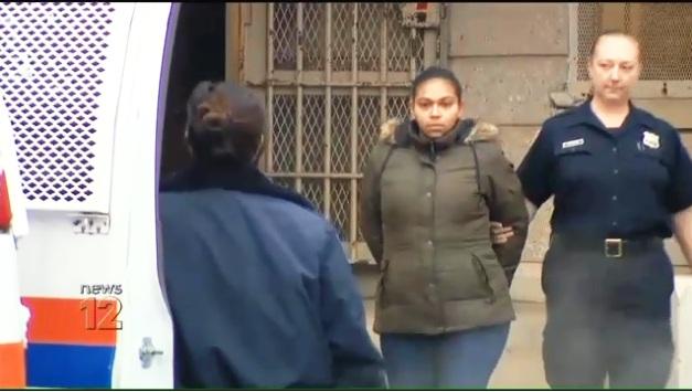 Arrestan a otra madre latina por abandonar a sus niños para irse de compras en Nueva York