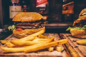 McDonald's presenta hamburguesa veggie, que no es para vegetarianos