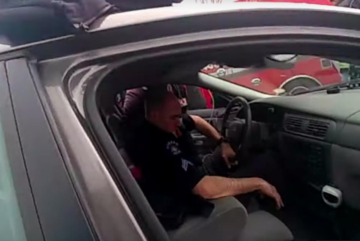 Revelan video de policía conduciendo borracho mientras estaba en servicio