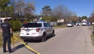 Tres hispanos que entraron a una residencia a robar fueron recibidos a escopetazos, todos murieron