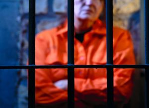 """""""15 días en confinamiento solitario son 15 días de más"""""""