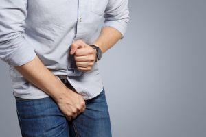 Descubre como el síndrome de Koro: la alucinación de que tus genitales desaparecerán puede afectar tu vida sexual