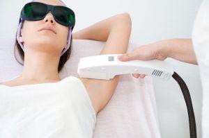 ¿Cómo se realiza la depilación láser y cuántas sesiones son necesarias para ver resultados?
