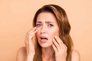 5 remedios caseros para combatir los párpados caídos