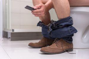 Crean un inodoro para reducir el tiempo que los empleados pasan en el baño