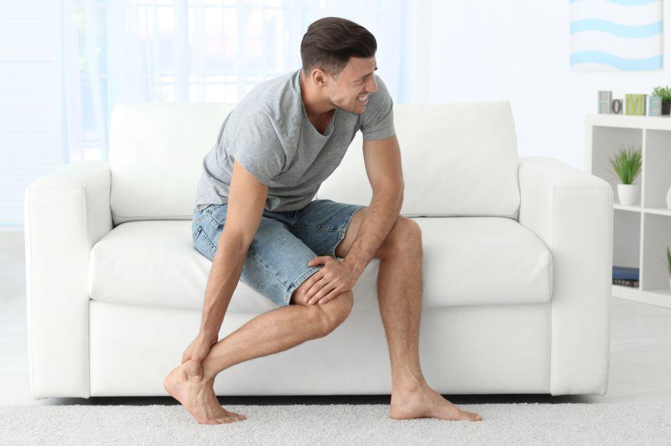 ¿Cuál es la mejor manera de evitar los calambres en las piernas?
