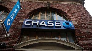 Mujer en Florida quería sacar $20 en cajero de Chase y se topa con $1,000 millones en su cuenta bancaria