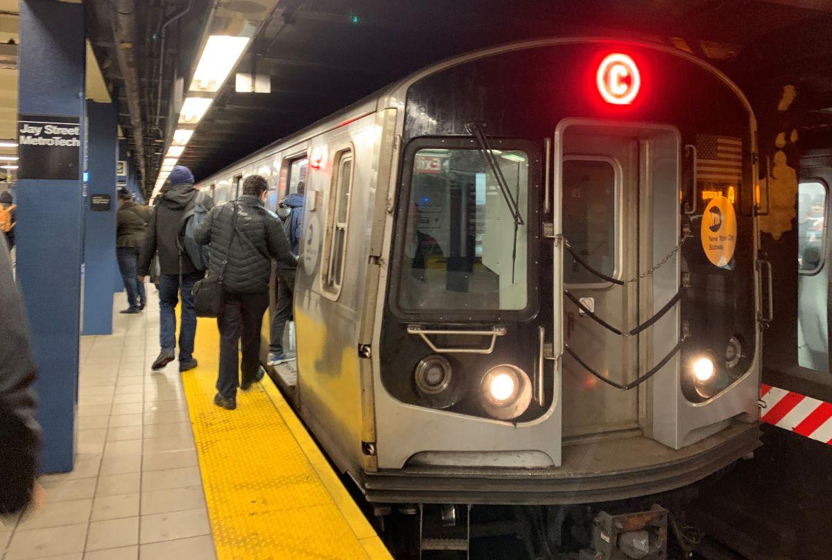 Retraso de 3 años en entrega de nuevos vagones del Subway afecta a usuarios