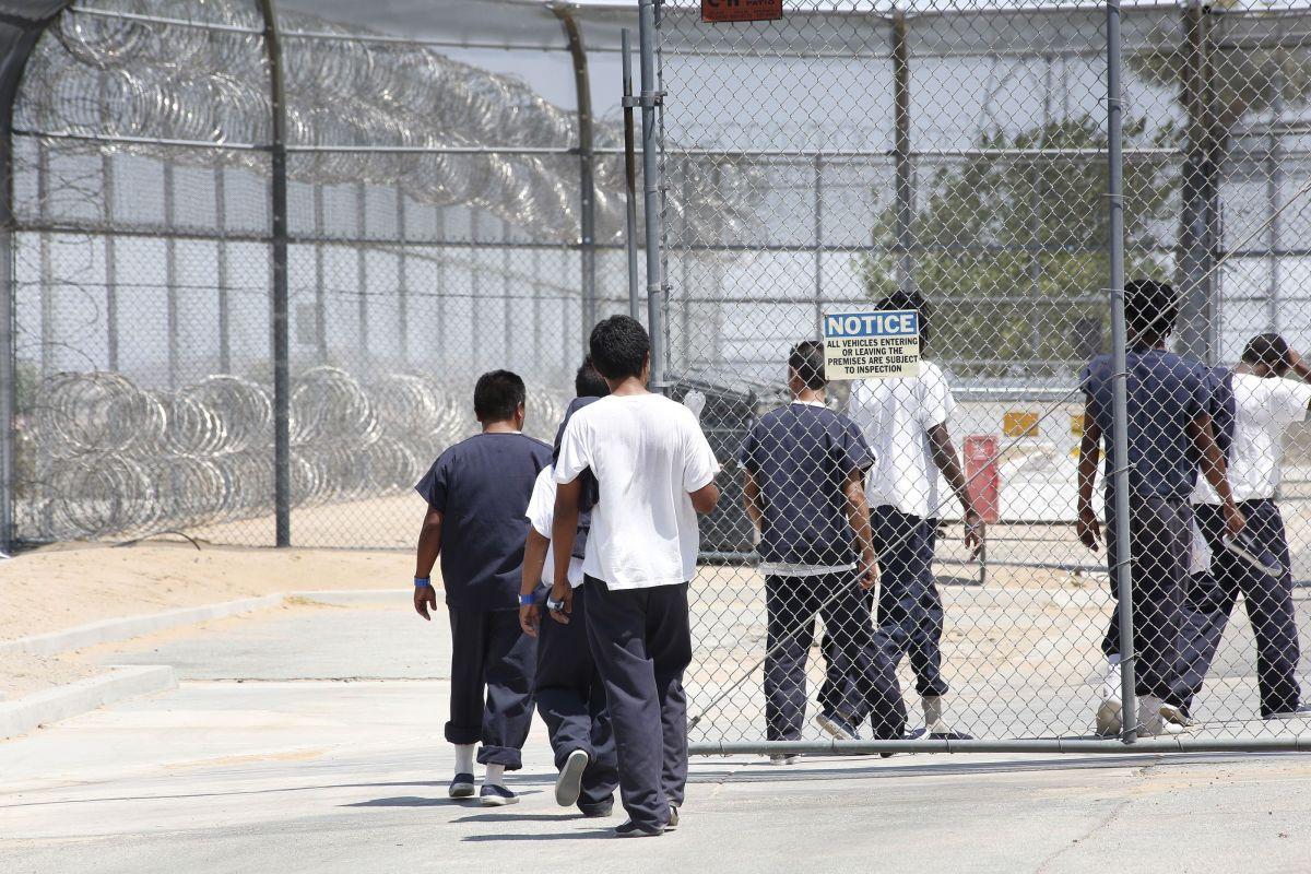 Inmigrantes detenidos por ICE en California denuncian contagio con grave bacteria por agua contaminada