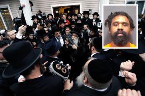 Fiscalía agrega nuevas acusaciones contra el autor de un ataque antisemita cerca de Nueva York