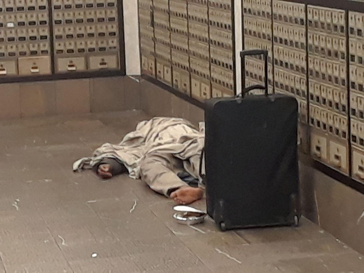 Aumentan muertes de personas sin hogar en Nueva York: 404 en un año