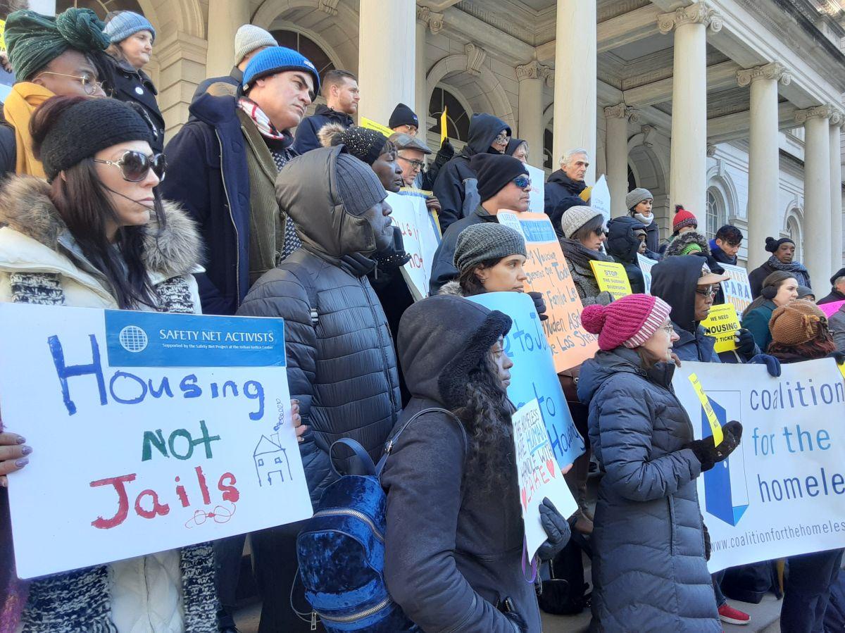 Coaliciones rechazan nuevo plan para ayudar a desamparados en el Subway de NYC