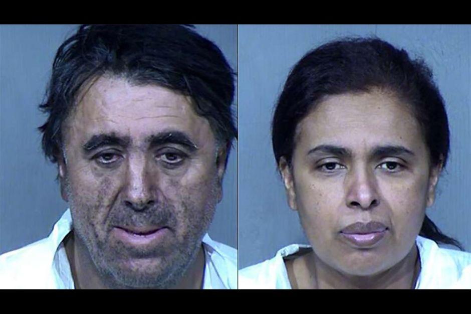 Arrestan a pareja después de encontrar restos humanos en su casa. Rescatan a 3 niños