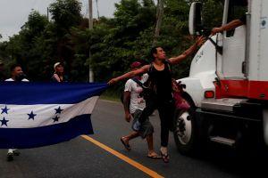 La dura recomendación de inmigrantes varados en México a caravana rumbo a EEUU