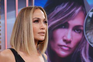 ¡Sencillita! Jennifer López impacta con un look mucho más recatado en los Critics´Choice Awards 2020