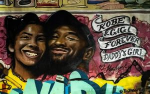 En 6 horas, crean mural en honor a Kobe Bryant en Mid-City, Los Ángeles
