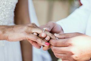 """Recién casados destrozados al ver sus fotos de boda: """"se arruinó el bonito recuerdo"""""""