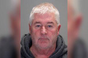 Veterano líder Republicano de Nueva York renuncia tras ser arrestado manejando borracho
