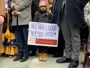 Pugna en el Concejo Municipal por proyecto para que residentes puedan votar en NYC