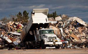 Ganaron $2 millones de dólares en contrabando de reciclaje: ¡traían basura desde Arizona!