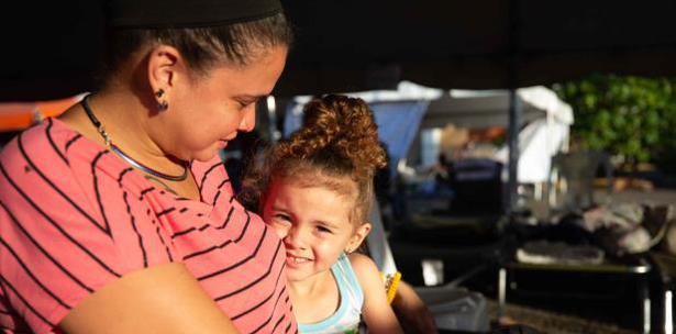 Puertorriqueños siguen durmiendo en refugios y en la calle tras cadena de sismos en la isla