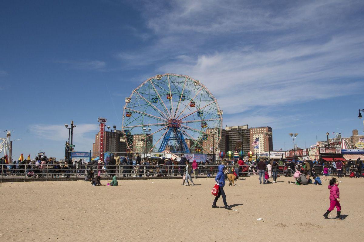 Bill de Blasio descarta abrir playas de la ciudad de Nueva York el fin de semana de Memorial Day