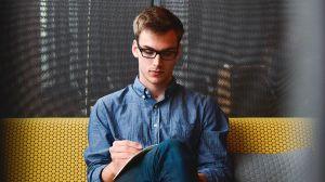 ¿Por qué tener exceso de confianza podría arruinar tus posibilidades de obtener un empleo?