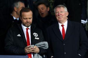 Fans furiosos del Manchester United vandalizan casa de directivo del equipo
