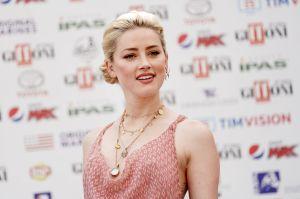 Amber Heard, ex Johnny Depp, presume su amor con su novia Bianca Butti