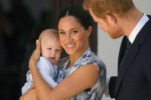 Monarquía británica habría expresado 'preocupación' por el color de piel del hijo de Meghan Markle y el príncipe Harry