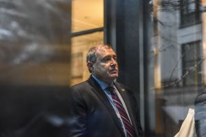 """Datos sobre vigilancia a exembajadora en Ucrania suman pruebas al """"impeachment"""""""
