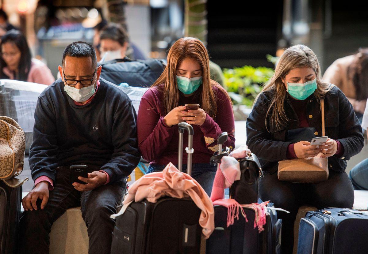 Mascarillas seguirán siendo mandatorias en transporte público y aeropuertos a pesar de nuevas guías de los CDC