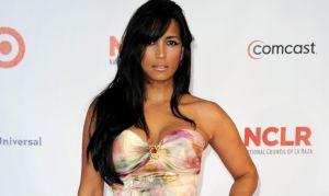Celinés Toribio expuso toda su anatomía como Natti Natasha con un bikini dorado, pero desde la cama