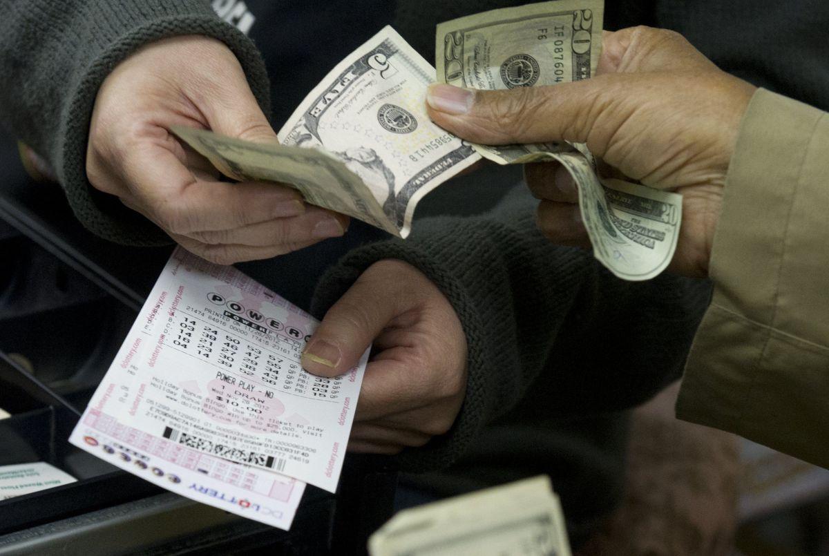 Ganó $4 millones en la lotería pero se los robaron por no hablar inglés
