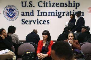 ¿Necesita ayuda para pagar los trámites de DACA o naturalización?