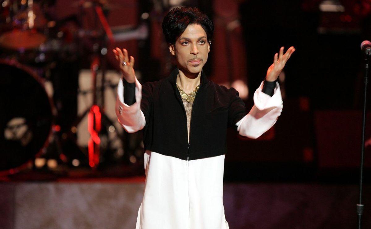 Habrá tributo a Prince en los Grammys y Juanes formará parte de él