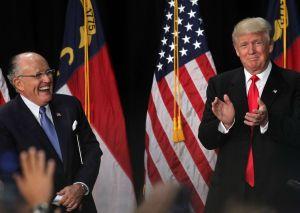"""'Impeachment' a Trump: Giuliani dice que """"le encantaría"""" declarar en el Senado"""