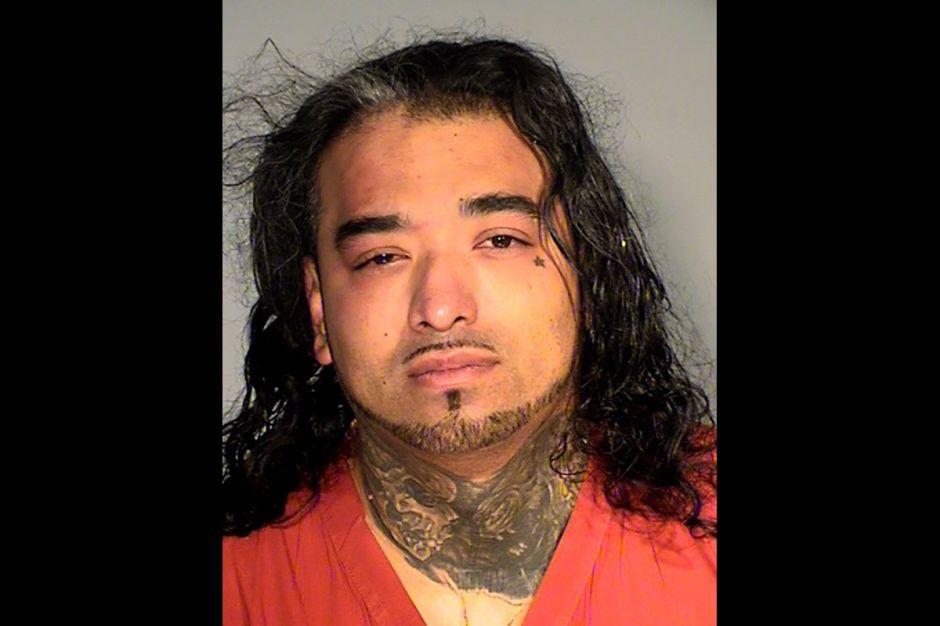Hombre de Minnesota viola a las gemelas de su novia. Las infecta de gonorrea