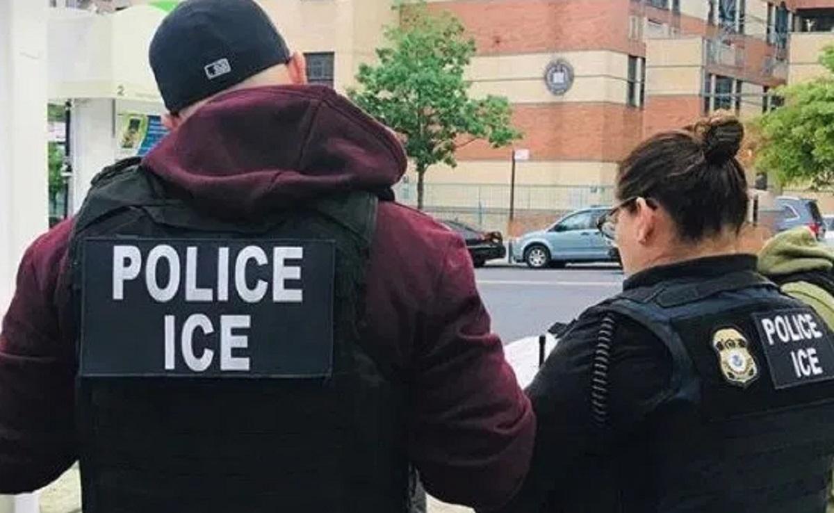 ¿Cuál es la relación entre redadas de ICE y el Censo 2020?