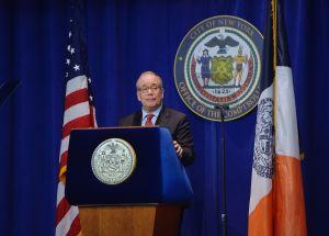 Stringer cifra las pérdidas fiscales en $3,200 millones en el próximo semestre
