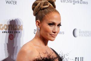 Jennifer López presumió tremenda cola en famoso festival de cine